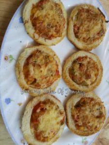 Bread Cheesy Discs Recipe