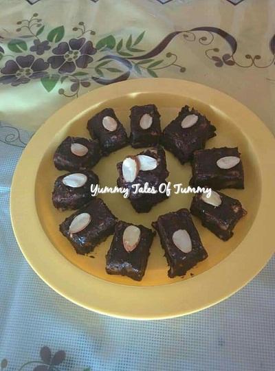 Easy Chocolate Nut Fudge recipe