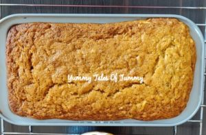 Golden Apple Cinnamon Cake