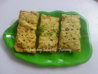 Moong Sprouts Papad Pocket Rolls