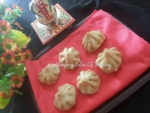 Read more about the article Ukdiche Modak with Oats
