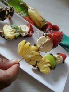 Read more about the article Fruity and Nutty Sticks