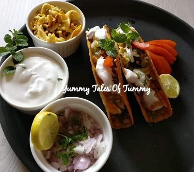 Misal Tacos | Maharashtrian Misal baked tacos