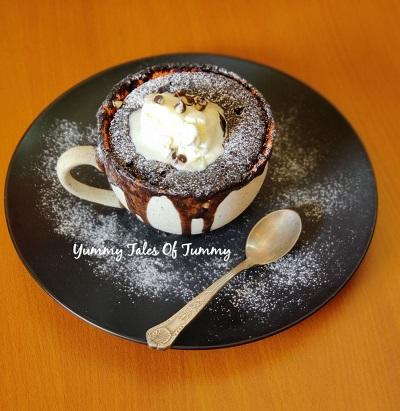 Banana chocolate mug cake