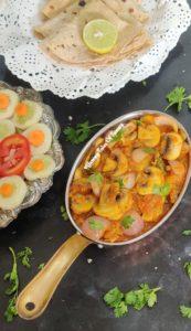 Mushroom Do Pyaza   Khumb Do Pyaza   Mushroom and Onions curry served with roti and salad